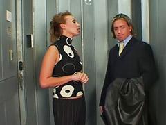 Трахнул в анал, Лифт