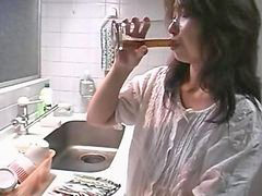 Japanese, Japanese in the kitchen, Japanese mother, Mother japanese, Japanes mother, Mother in kitchen