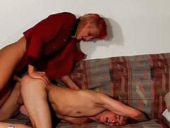 Sexo anal en grupo