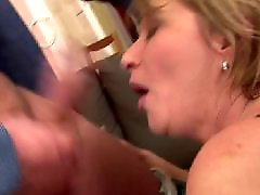 Young vaginas, Young &mom, Mature cumming, Mom filled, Mom cumming, Mom old young