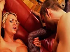 Paige, Sexüel, Első anal, Elsö anal, Elsö, Elsô