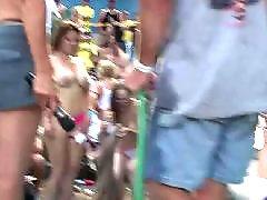Wet babes, Wet babe, Wet amateurs, Wet amateur, Public stage, Public nudist