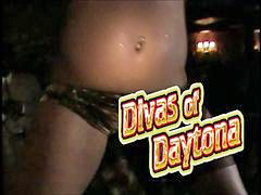 Post, Postting, Posting, Divas, Daytona, V postely