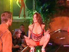 Teri hatcher, Teri, Striptease