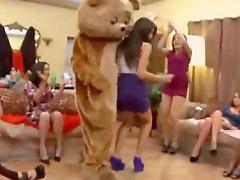 Niña stripper, Niña mamando y follando, Niña chupa pija, Fiesta chupa, Estripers follando, Chicas mamando penes