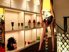 Ragazzine striptease, Spogliarello