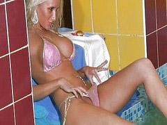 Blonde hottie, Lesbians hair, Lesbian bikini, Black lesbians, Bikinis lesbians, Lesbians black