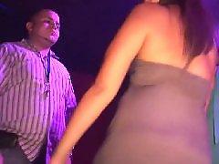Целуются девочки, Целуется с девушкой, Подросток в клубе, Девушка целует девушку, В клубе, Любительское девочка подросток