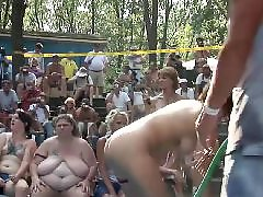 Wet babes, Wet babe, Wet amateurs, Wet amateur, Public stage, Public nudist