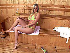 Sauna, Naked