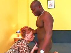 Pareja interracial, Abuelita