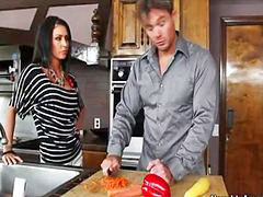 Justine, Jaymed, Hot kitchen, ่justin, Hot in kitchen, Kitchen hot