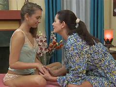 Hijas lesbianas, Confesando, Hija de 5, A confesion, Lesbiana, Lesbia