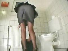 Toilet, Masturbation