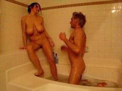 Mér dans la douche, Sous la douche