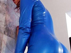 Latex, Young