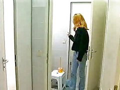 자위하기, 변기 자위, 공공화장실, 공용화장실, 화장실 자위, 공중화장실