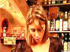 Gina, Bar