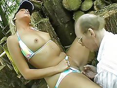 Grandpa, Outdoor, Grandpas, Seduces blonde, Outdoor blonde, Y grandpa