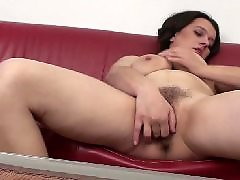 Withe mom, With moms, Pussi mom, Plays hairy, Playing hairy pussy, Play with pussy