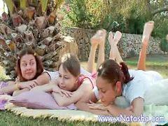 Zabawy nastolatek, Lesbijki mamy, Nastolatki lesby