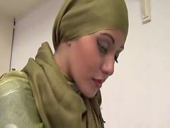 Babe, Arabic, Arab