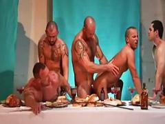Sexo anal en grupo, Sexo en grupo gay