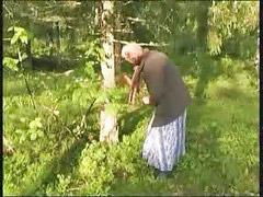 Granny, Hé, Granny gets, Tree, Get granny, Grannies