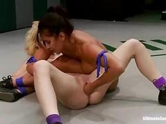 Lesbian, Fisting
