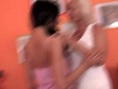 Viejo se folla la hija, Maduras amateur enculadas, Hija pequeña, Joven, hijas, Hijas lesbianas, Jovenes follando con maduras