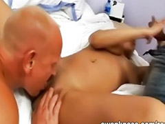 Nagy mellű maszturbál, Maszti élvezéssel, Nagyi hármasban, Punciba élvezes nagy cicik, Nagy 3