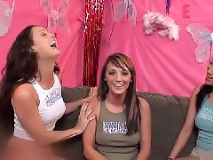 Vicky q, Vicki, Vagina toys, Vagina toy, Threesome lesbians, Threesom lesbian