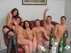 سكس روسي, سكس طلاب, حفلة جنسية, مبيت الطلاب