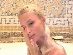Paris hilton, Bath, Paris, Take bath, Take a bath, A bath