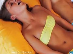 Masturbation lesbians, Girl kiss, Kissing lesbian, Kiss lesbian, Girl toys, Girl kissing girl