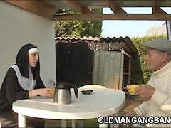 ليلي سين, ام راهبه, راهبه