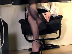 Voyeur masturbating, Under desk masturbation, Under desk cam, Secretary stocking, Secretary masturbate, Masturbe cam