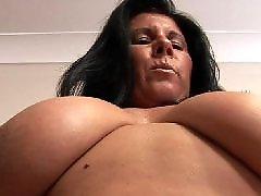 Fكبير الصدر, كبير-الثدي, كبير الصدر, ربة البيت كبير الثدى, ثدي كبير كبير, رضاعة الكبير