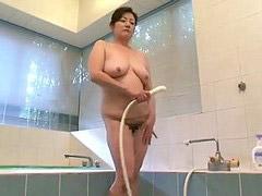 อาบน้ำชักว่าว, ชักว่าวโชว์, อาบน้ำ ชักว่าว, ถ้ำมงในห้องอาบน้ำ, ชักว่าวโชว, ชักว่าวอาบน้ำ
