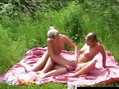 Lesbijki mamy, Dwie blondynki