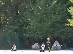 Niña acabando, Japones y niñas, Jovencitas al aire libre, Censurado japones, Corro, Una niña trigueña