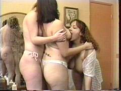 스퀴, 레즈비언의수유