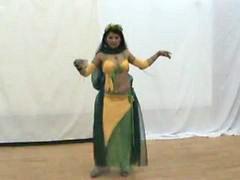 Táncoló lányok, Dancs