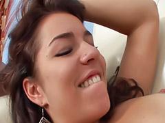 Loiras e morenas, Lesbianas sexo oral