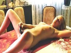 Chico adolescente masturbandose