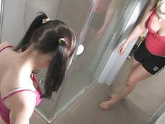 Westting, Westing west, Shower girls, Shower girles, Shower girl, Out west girls