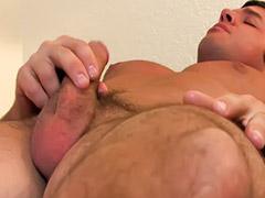 Macho musculoso, Masturbacion de hombre