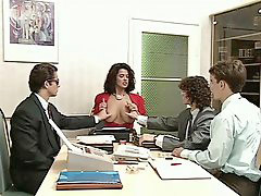 Büro gefickt