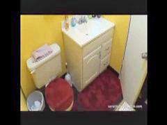 ผู้หญิง&ผู้หญิง, เข้าห้องน้ำ, ห้องน้ำ